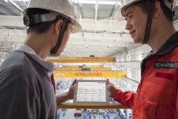 <p>TRUCONNECT Remote Service connects data, machines and people to provide remote monitoring, diagnostics, analytics and usage-based predictive maintenance. © Konecranes</p> (photo: )