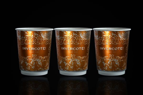 Printed in one colour but with an embossed pattern and message, the Invercote cup is extremely elegant. It also has a far lower environmental impact than plastic cups. © Iggesund