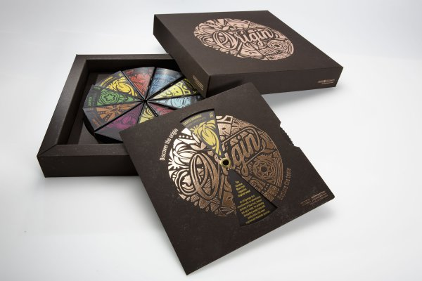 The Origin Box is made of three kinds of paper material, of which two, Invercote and Incada, are made by Iggesund Paperboard.© Iggesund