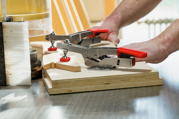 <p>BESSEY horizontal toggle clamp STC-HH in use.©BESSEY Tool GmbH &amp; Co. KG</p>
