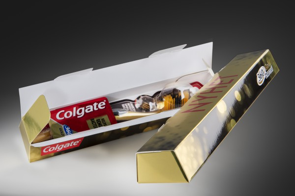 <p><strong>Caption:</strong>Colgate's gold toothbrush, the Gold 360⁰, was launched in Norway in packaging in the form of a gold bar. The packaging is printed on Invercote Metalprint Digital 300 g/m² + 29 g/m², 420 µm, 16.5 pt.</p>
